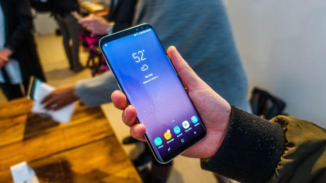 Perbedaan Layar Samsung Galaxy S8 Dengan Samsung Galaxy S8 Plus